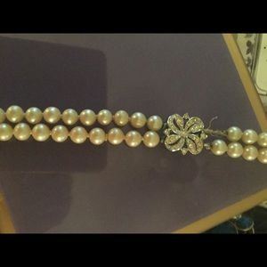 Jewelry - Vintage pearls with crystal clasp
